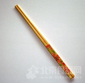 使用筷子有讲究 建议每周煮半小时